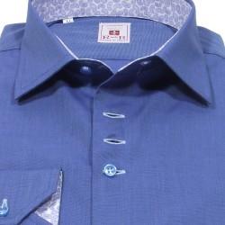 Classic Italian collar